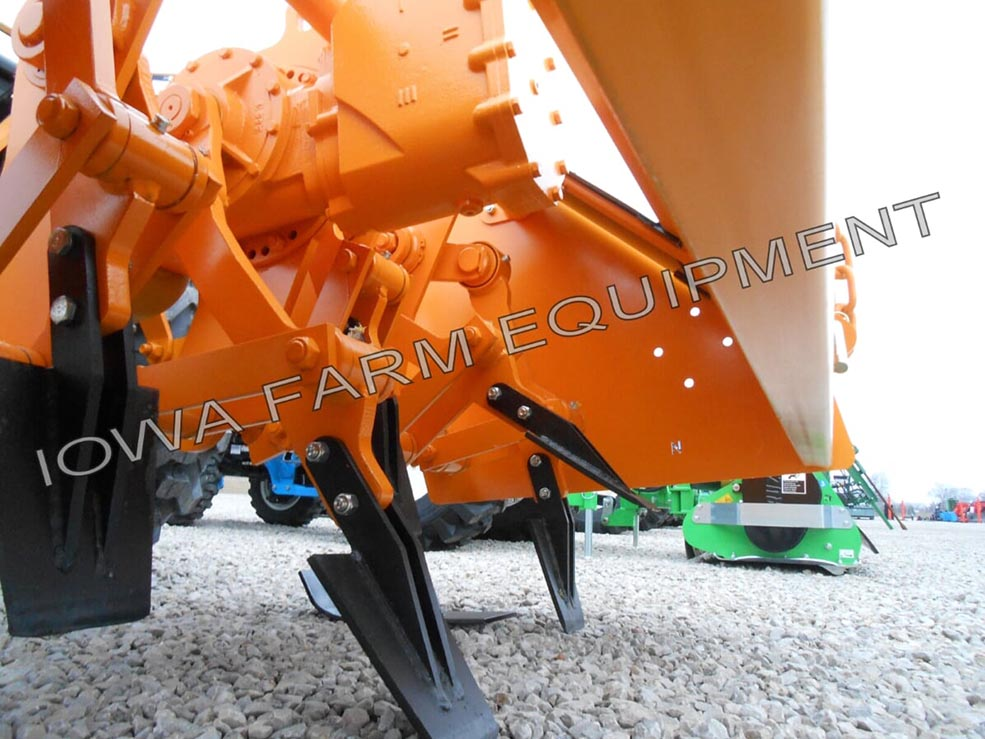 Selvatici Compact Tractor Tractor PTO Spading Attachment